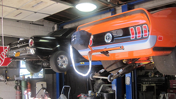 Muscle Cars on Carlift